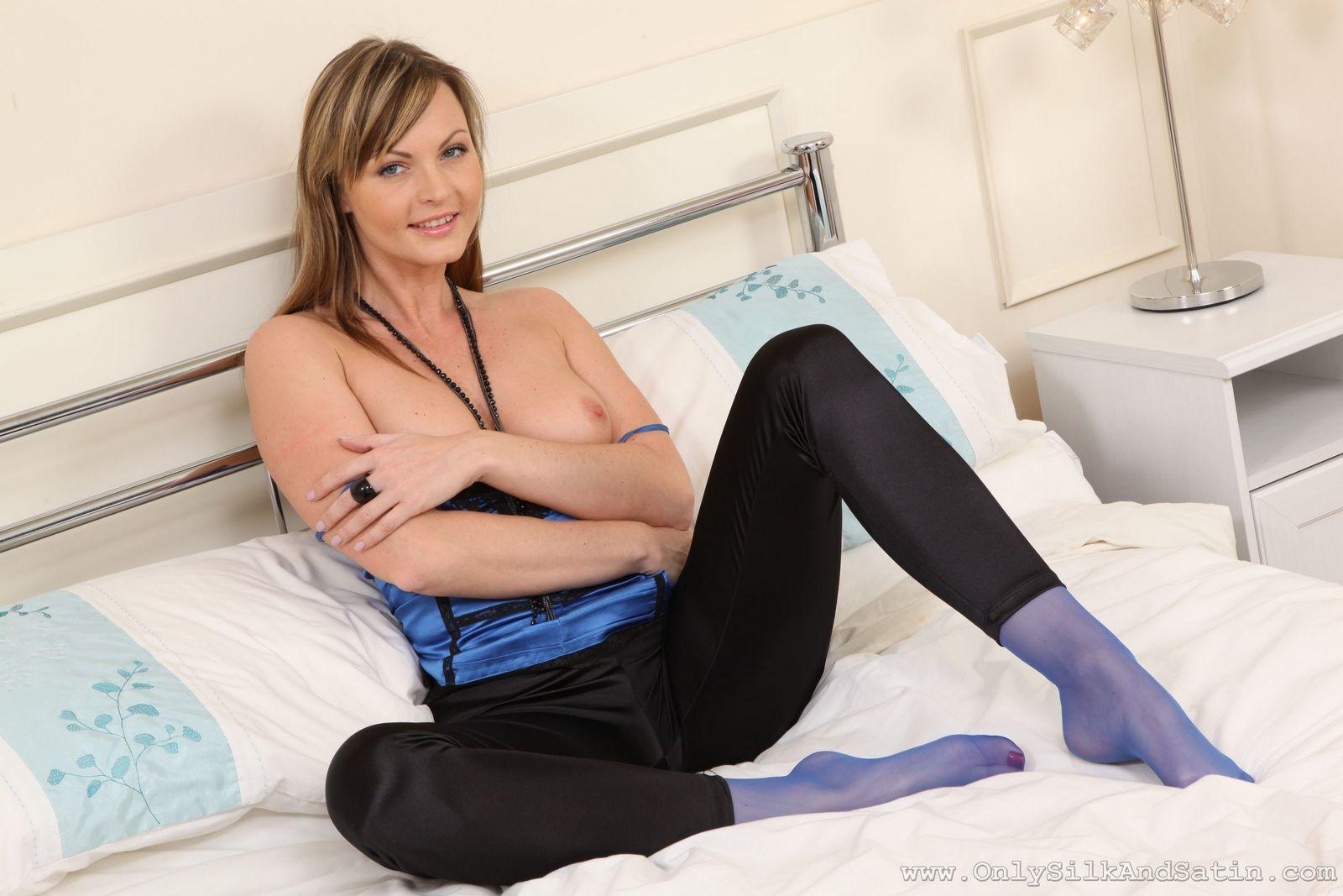 Сандра в голубых гольфах